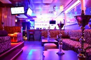 Hookah Lounge en cachimbas grandes